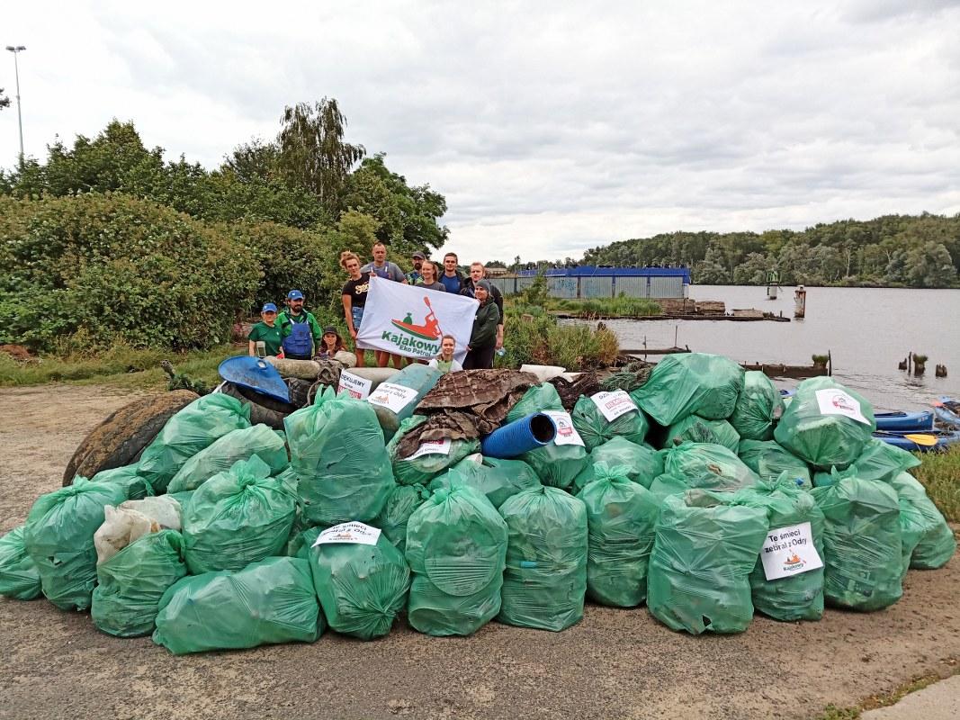 Ponad 1,3 tony śmieci wyłowił z Odry i Wyspy Dębina Kajakowy Eko Patrol!